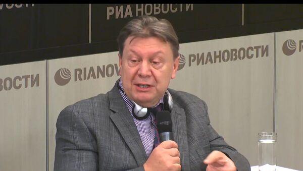 Maskavas Valsts universitātes ASV pētniecības fonda direktors Jurijs Roguļovs - Sputnik Latvija