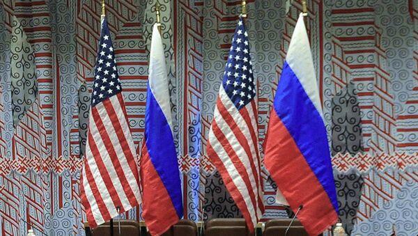 Флаги США и России - Sputnik Latvija