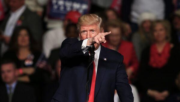 Президент США Дональд Трамп - Sputnik Latvija