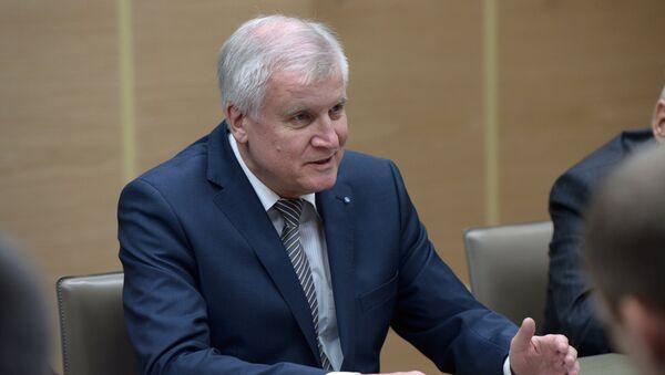Bavārijas federālās zemes premjerministrs Horsts Zēhofers - Sputnik Latvija