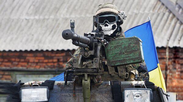 UBS karavīrs bruņumašīnā. Foto no arhīva - Sputnik Latvija