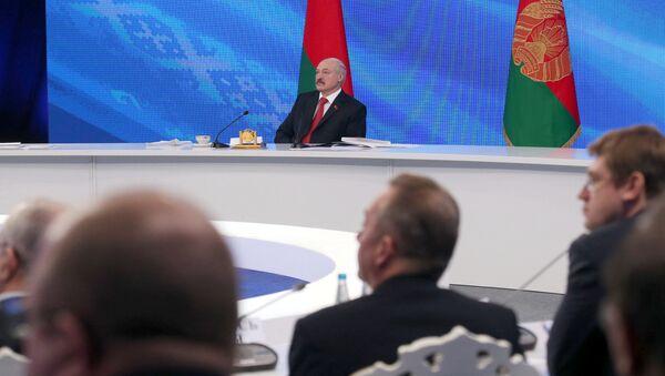 Президент Белоруссии Александр Лукашенко на пресс-конференции в Минске - Sputnik Латвия