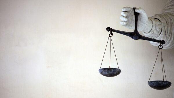 Весы правосудия в руках Фемиды - Sputnik Латвия