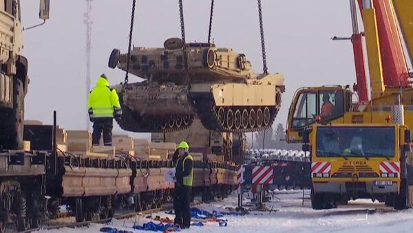 Американская военная техника в Эстонии - Sputnik Латвия