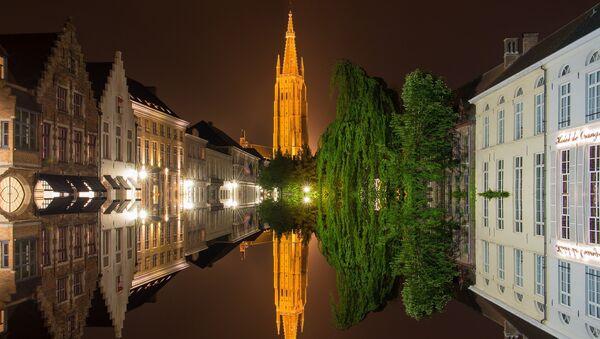 Центр Западной Фландрии, бельгийский город Брюгге - Sputnik Латвия