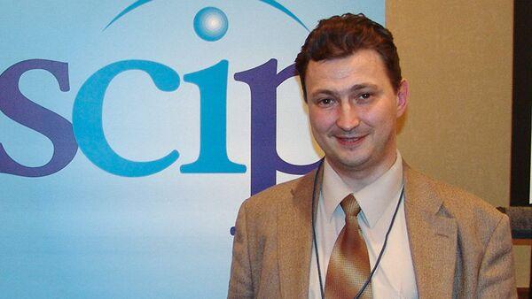 Эксперт по конкурентной разведке, профессор Уральского государственного экономического университета Евгений Ющук - Sputnik Латвия