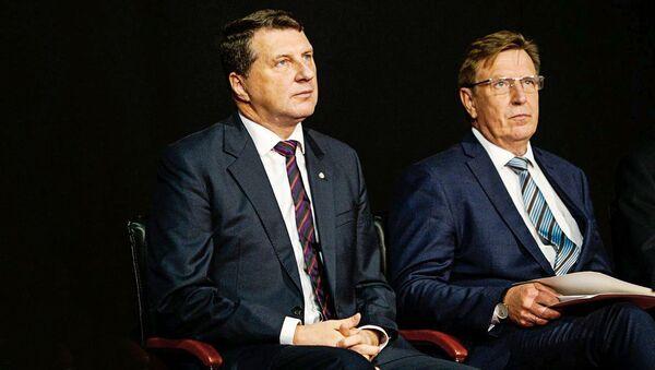 Президент Латвии Раймондс Вейонис и премьер-министр Латвии Марис Кучинскис - Sputnik Латвия
