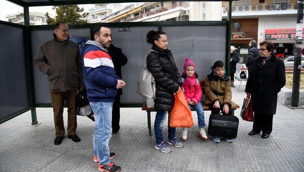 Cilvēki Salonikos gaida plānveida evakuāciju - Sputnik Latvija