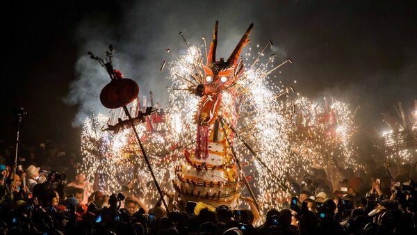 Фестиваль фонарей в Китае - Sputnik Латвия