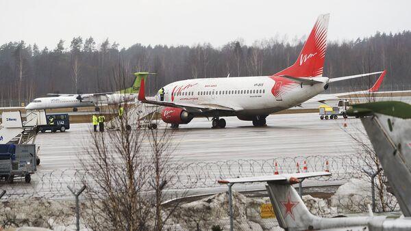 Самолет Вим Авиа в аэропорту Рига - Sputnik Латвия