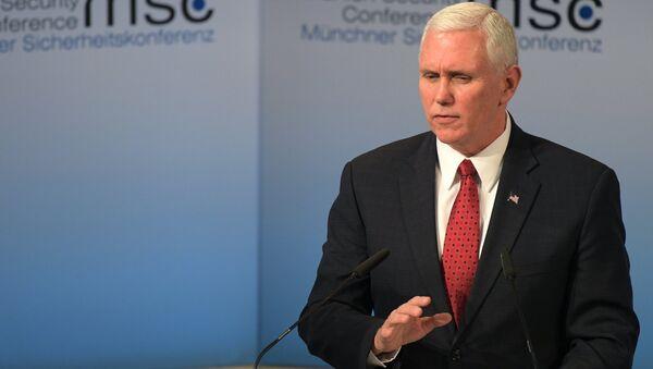 Вице-президент США Майк Пенс выступает на 53-й Мюнхенской конференции по безопасности - Sputnik Латвия