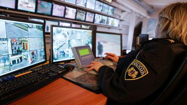 Центр видеонаблюдения муниципальной полиции Риги - Sputnik Латвия
