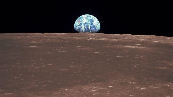 Восход Земли над лунным горизонтом - Sputnik Латвия