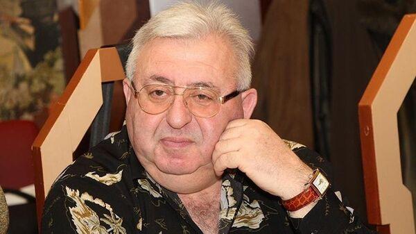 Леонтий Букштейн, шеф-редактор портала Мобильные телекоммуникации - Sputnik Латвия
