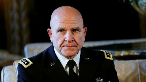 Ģenerālis Makmāsters - Sputnik Latvija