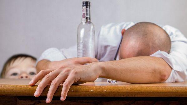 Алкоголизм - Sputnik Latvija