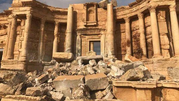 Историко-архитектурный комплекс Древней Пальмиры в сирийской провинции Хомс - Sputnik Латвия