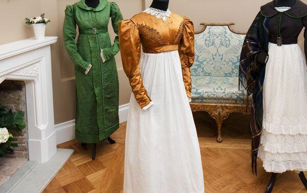Выставка Мода эпохи романтизма в замке Фалль - Sputnik Латвия