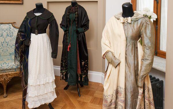 Важной ступенью в развитии искусства и моды всей Европы стал стиль романтизм - Sputnik Латвия