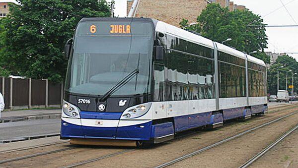 Низкопольный трамвай в Риге - Sputnik Latvija