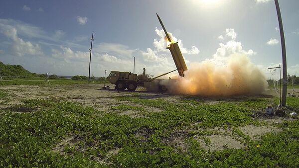 Противоракетный комплекс подвижного наземного базирования THAAD - Sputnik Латвия