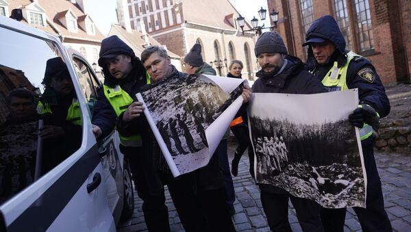 Задержание представителей антифашистских организаций - Sputnik Латвия