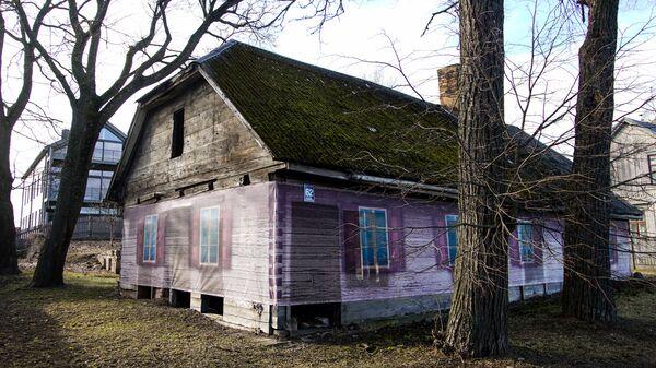 Заброшенный деревянный дом на Кипсале - Sputnik Latvija