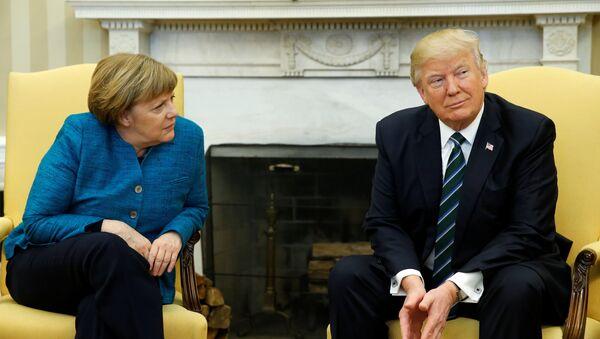 Дональд Трамп и Ангела Меркель  - Sputnik Latvija