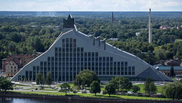 Здание Латвийской Национальной библиотеки в Риге - Sputnik Латвия