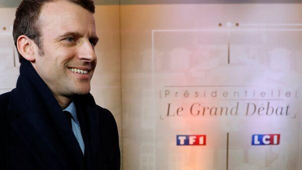 Кандидат в президенты Франции Эммануэль Макрон - Sputnik Latvija