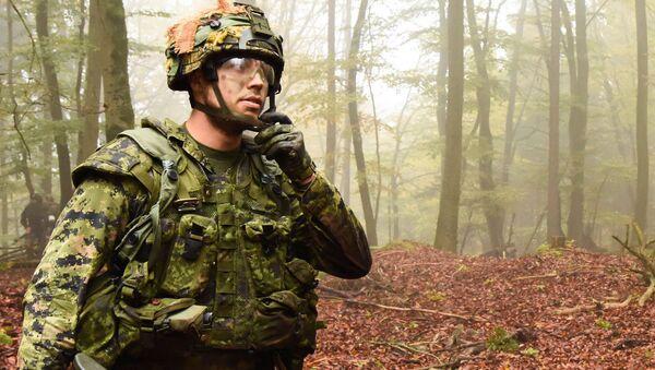 Канадский солдат - Sputnik Latvija