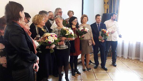 Номинанты, победители и члены жюри Международного конкурса латвийских журналистов Янтарное перо - Sputnik Латвия