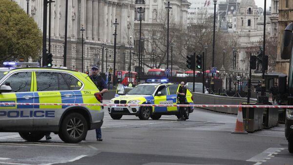 Полиция на месте нападения в Лондоне - Sputnik Латвия