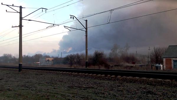Пожар на складе боеприпасов в городе Балаклея Харьковской области 23 марта 2017 - Sputnik Latvija