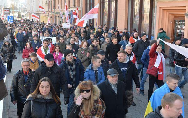 Шествие в Минске во время Дня воли - Sputnik Latvija
