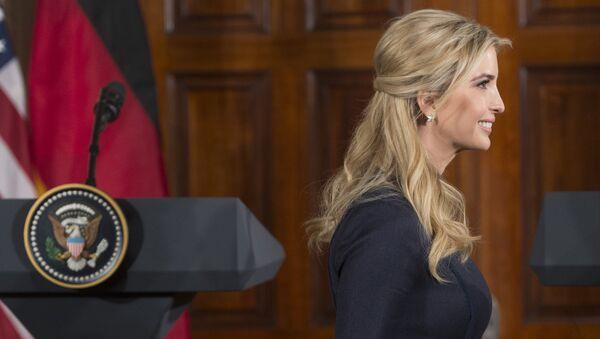 Иванка Трамп на пресс-конференции президента США Дональда Трампа и канцлера Германии Ангелы Меркель - Sputnik Латвия