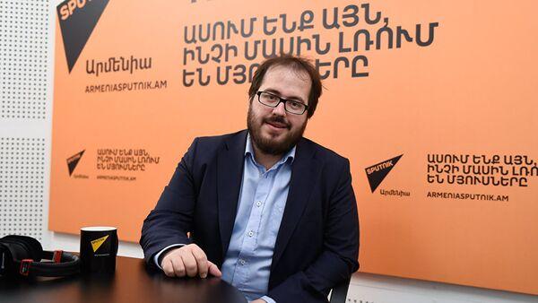 Политолог Василий Кузнецов - Sputnik Латвия