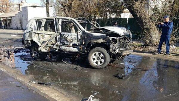 Взрыв автомобиль в Центральном районе Мариуполя - Sputnik Латвия