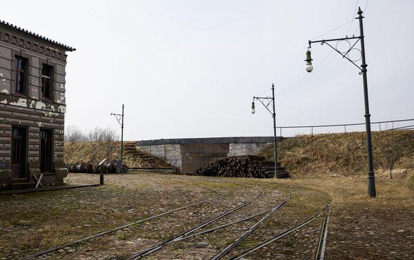 По киногородку Синевилла проходит около 1 км трамвайных путей - Sputnik Латвия