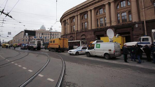 Взрывы в метро в Санкт-Петербурге - Sputnik Латвия