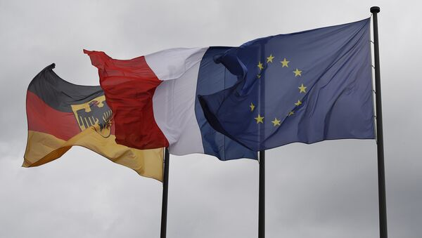 Флаги Германии, Франции и ЕС - Sputnik Latvija