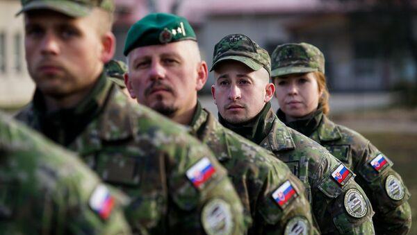Словацкие военнослужащие на военной базе в Адажи - Sputnik Латвия