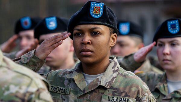 Военнослужащая американской армии - Sputnik Латвия