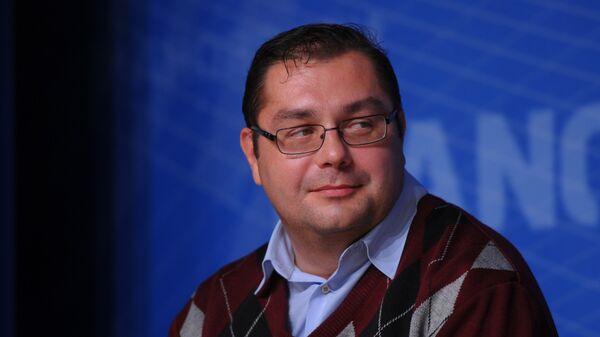 Историк и политолог Владимир Симиндей - Sputnik Латвия