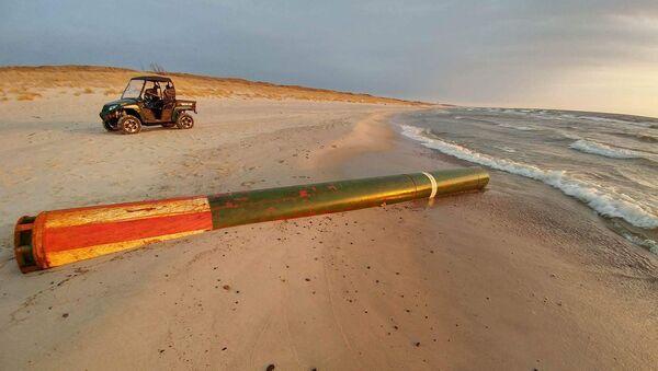 Российская учебная торпеда на берегу Балтийского моря - Sputnik Latvija