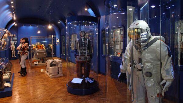 Экспонаты отдела космической медицины музея истории медицины им. П. Страдыня в Риге - Sputnik Латвия