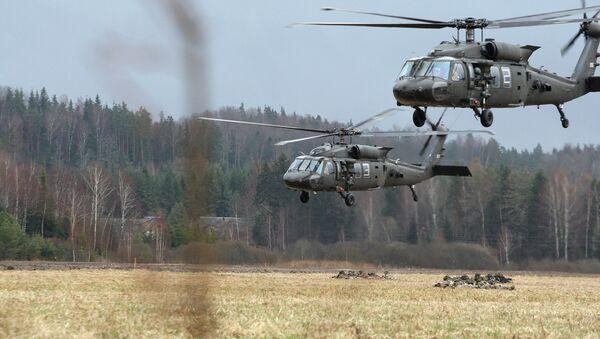 Учения вооруженных сил Воздушные Ястребы в мадонском крае - Sputnik Латвия