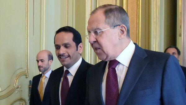 Министр иностранных дел РФ Сергей Лавров и министр иностранных дел Катара Мухаммед Аль Тани - Sputnik Латвия