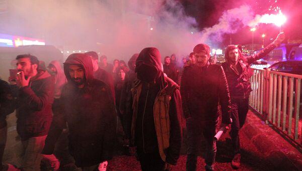 Протесты в Стамбуле, Турция, против результатов референдума - Sputnik Латвия
