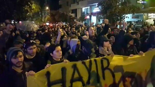 Протесты в Стамбуле против результатов референдума - Sputnik Латвия